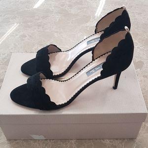 New/dis | SJP | black heels